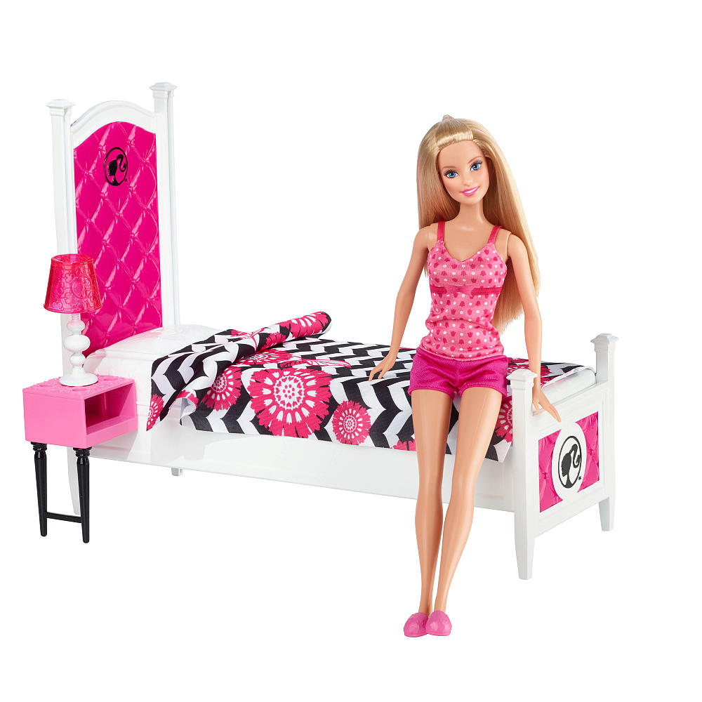 Barbie Doll House Pool Giftset With 3 Dolls